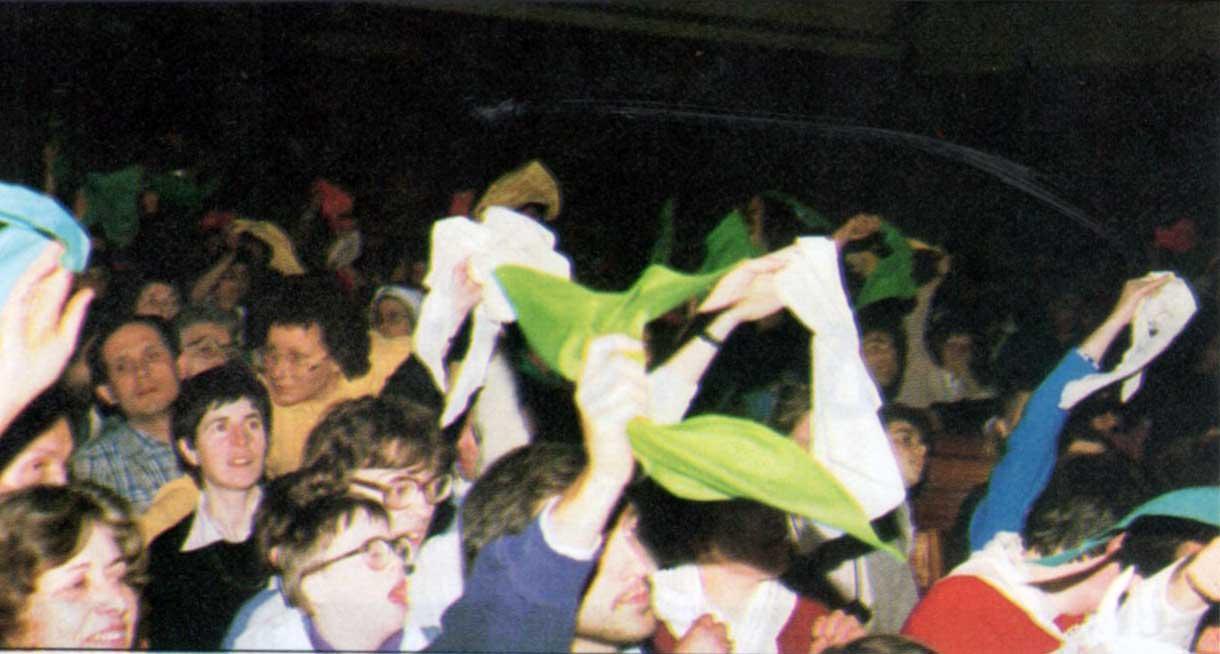 003 - Le foto del pellegrinaggio di Assisi 1986 - Ombre e Luci n.14, 1986