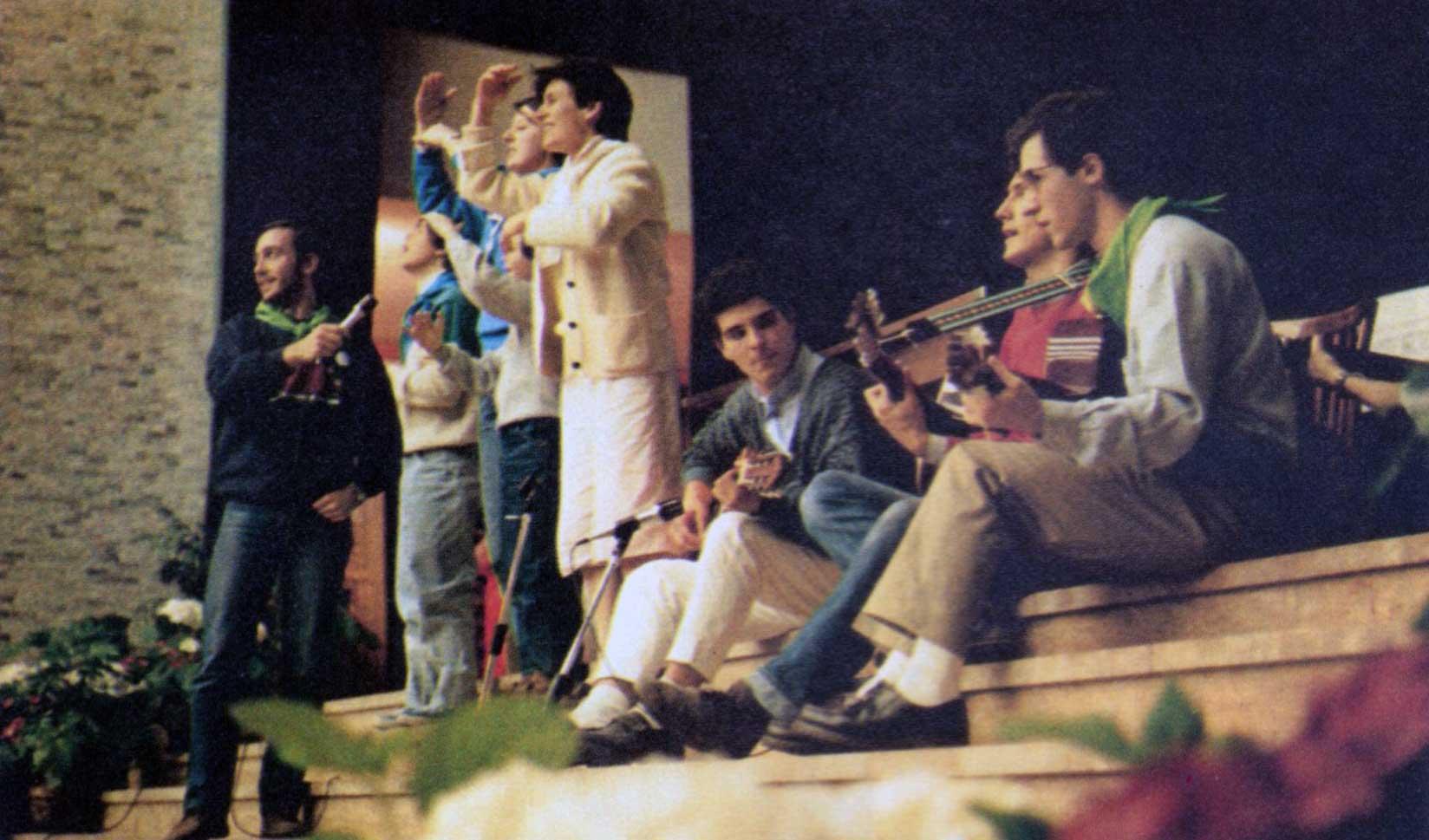 004 - Le foto del pellegrinaggio di Assisi 1986 - Ombre e Luci n.14, 1986