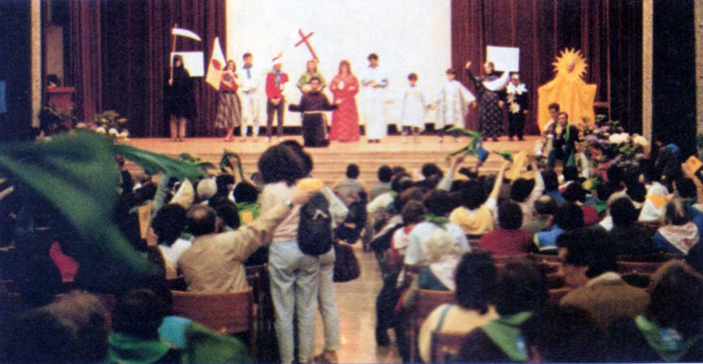 007 - Le foto del pellegrinaggio di Assisi 1986 - Ombre e Luci n.14, 1986