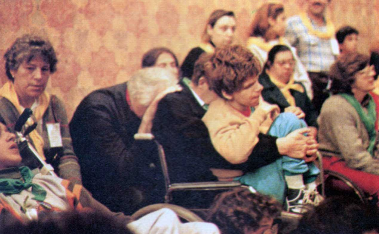010 - Le foto del pellegrinaggio di Assisi 1986 - Ombre e Luci n.14, 1986