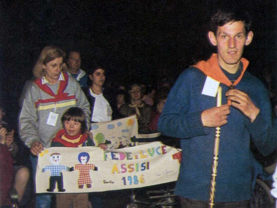013 - Le foto del pellegrinaggio di Assisi 1986 - Ombre e Luci n.14, 1986