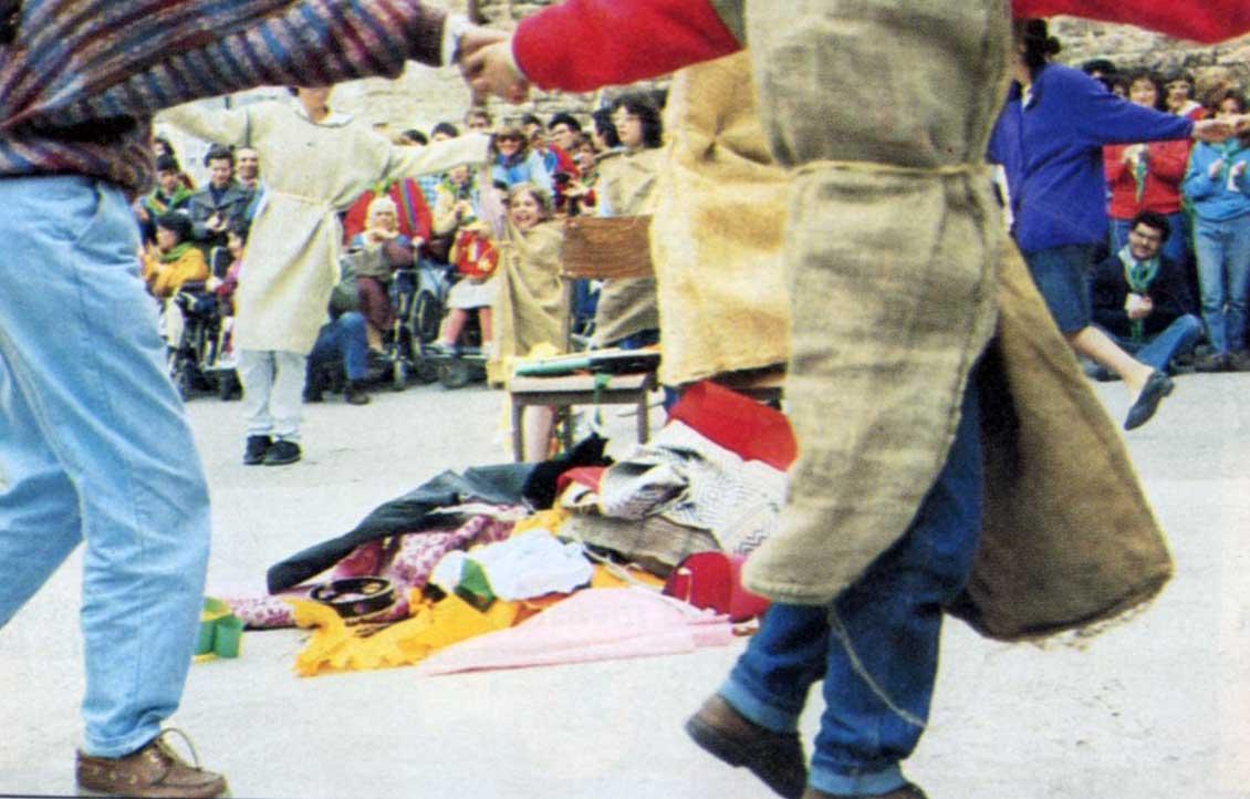 023 - Le foto del pellegrinaggio di Assisi 1986 - Ombre e Luci n.14, 1986