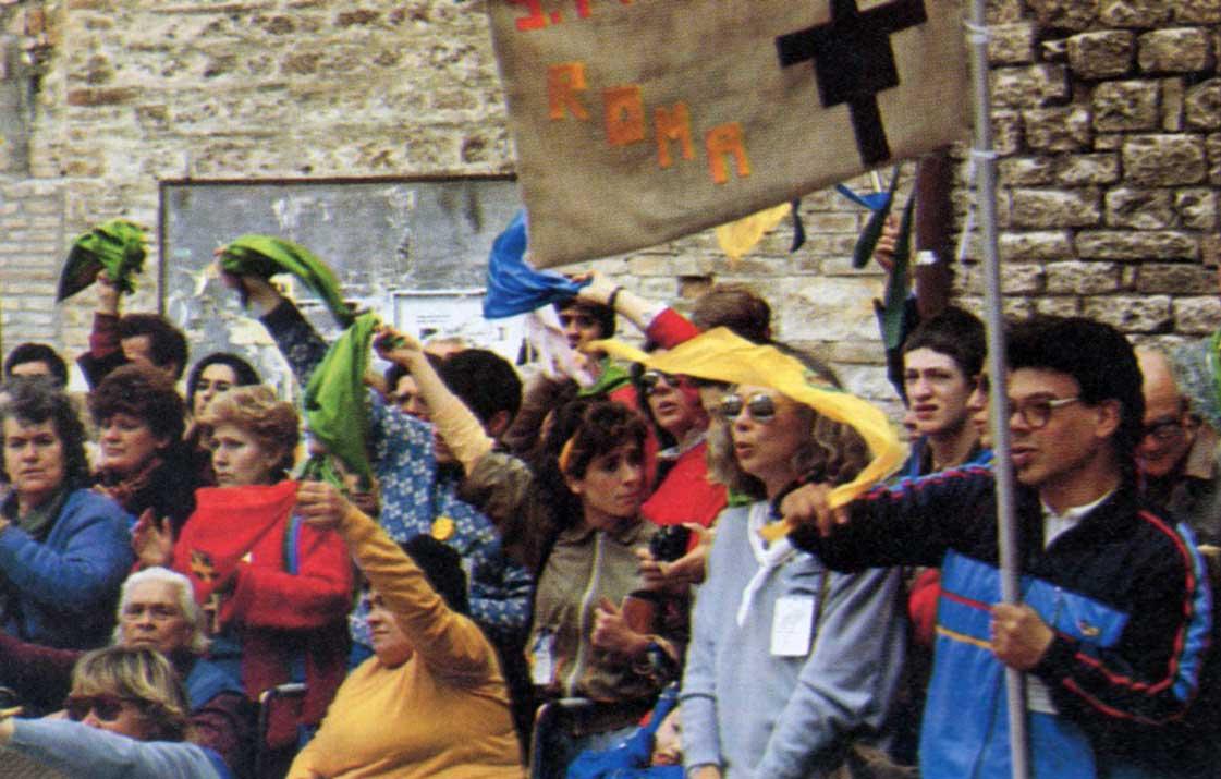 027 - Le foto del pellegrinaggio di Assisi 1986 - Ombre e Luci n.14, 1986
