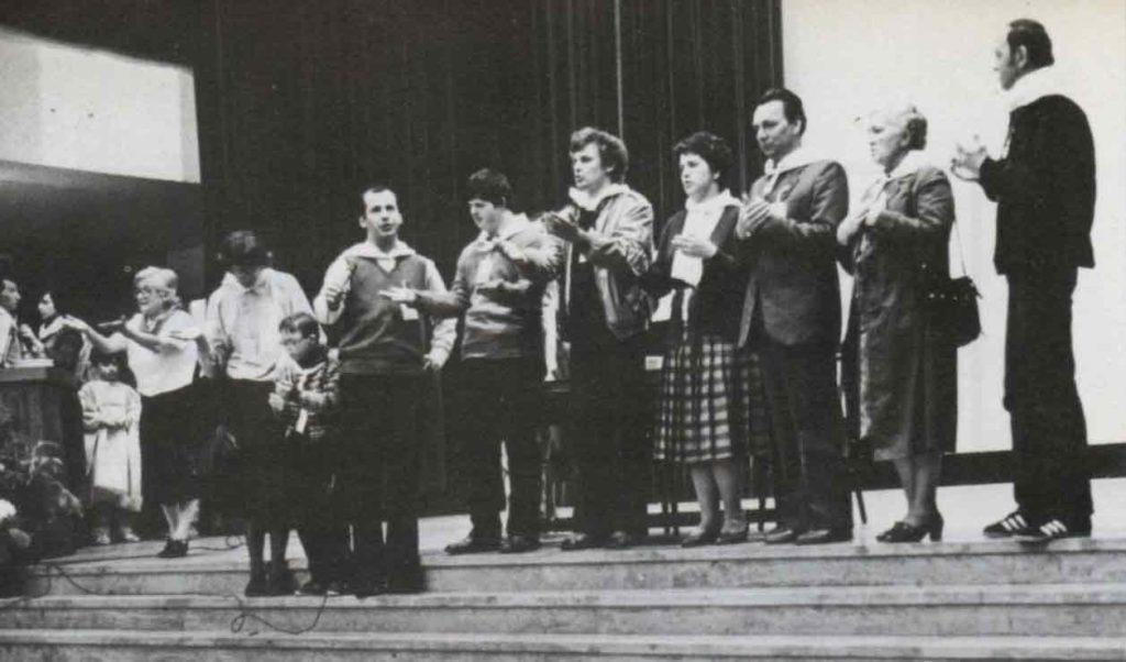 Siamo venuti ad Assisi per incontrare altre comunità - Ombre e Luci n.14 - 1986