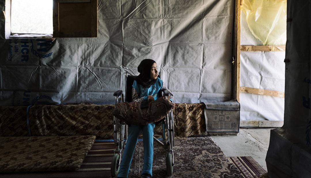 La storia di Souhour, rifugiata e disabile, accolta da una famiglia libanese