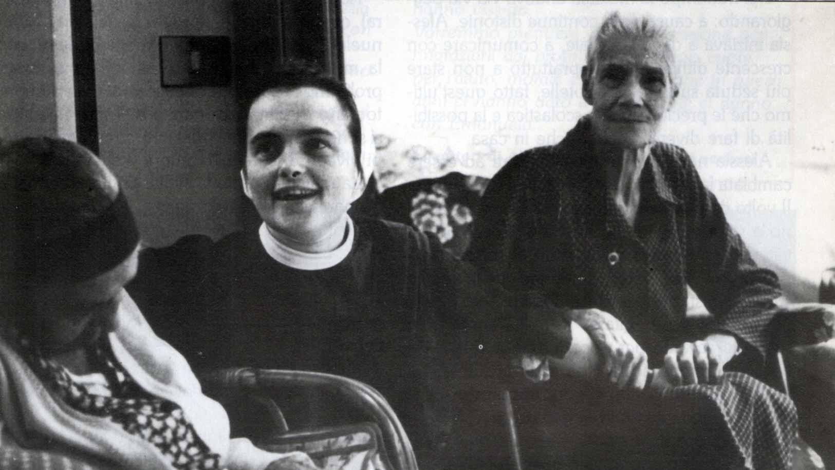 Case della Carità - La soluzione alla crisi delle comunità parrocchiali - Ombre e Luci n. 40, 1992