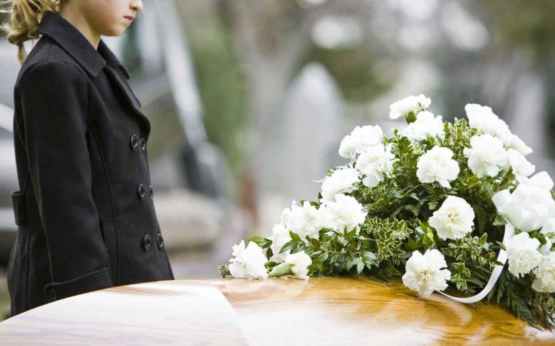 """Alla morte del nonno: """"Perché l'hanno messo in una scatola?"""""""