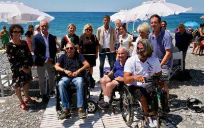 Lavagna inaugura la spiaggia accessibile alle persone con disabilità