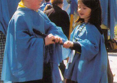 5° posto - Lorenzo Portento - I più piccoli a Lourdes - Fotoconcorso - Ombre e Luci n.75 - 2002