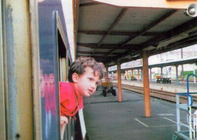 6° posto - Paolo Nardini - I più piccoli a Lourdes - Fotoconcorso - Ombre e Luci n.75 - 2002