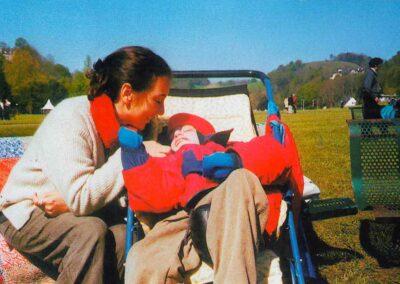 6° posto - Silvia Gusmano - I più piccoli a Lourdes - Fotoconcorso - Ombre e Luci n.75 - 2002